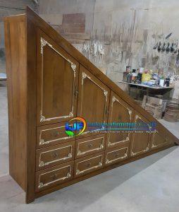 Lemari Pakaian Mewah Bawah Tangga Rumah Klasik Kayu Jati IJF-0133